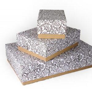 Boîtes pour cadeaux en carton recyclé faites main